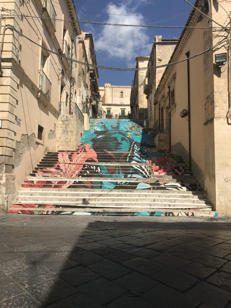 Noto steps